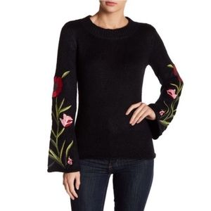 Romeo + Juliet floral embroidery black sweater M